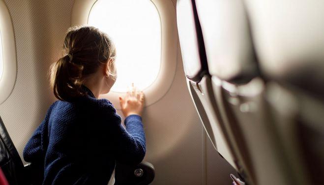 Peut-on vraiment voyager seul quand on est mineur ?