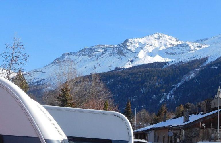 Optez pour l'un des meilleurs campings caravaneige en Savoie